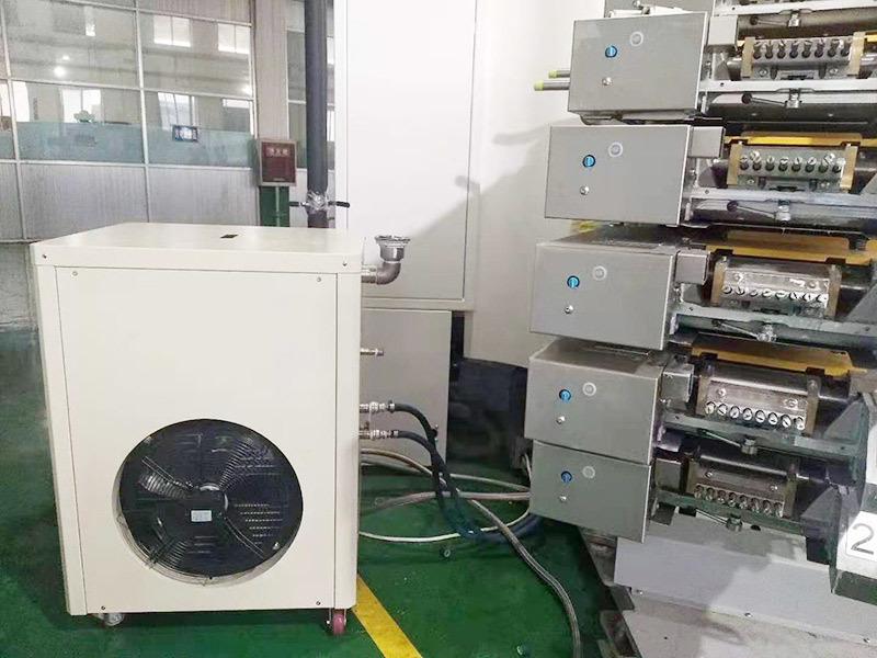 高速印刷机用冷水机 (2)